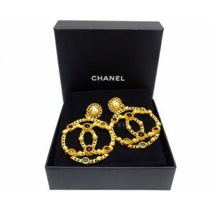 4ad6a37409622c CHANEL Jumbo Cruise Hammered Gold Gemstone CC Logo